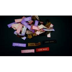 """Mixte de 50 étiquettes """"hand made"""" 4.5cm rose, violet, rouge, noir, marron"""
