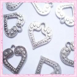 Lot de 15 breloques coeur en métal argentées 1.7cm