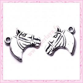 Lot de 15 breloques chevaux en métal argentées 2.1cm