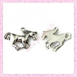 Lot de 15 breloques chevaux en métal argentées 2cm