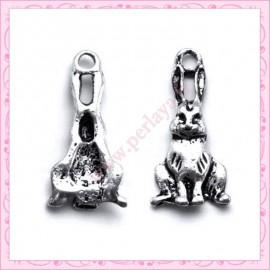 Lot de 15 breloques lapin en métal argentées 2.4cm