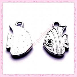 Lot de 15 breloques poisson en métal argentées 2.1cm