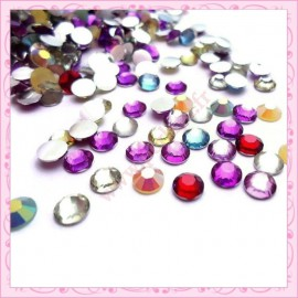 Mix de 50 strass en acrylique 6mm