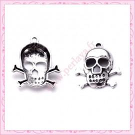 Lot de 15 breloques tête de mort en métal argentées 2.6cm