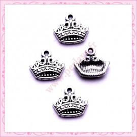 15 petites breloques couronne argentées en métal