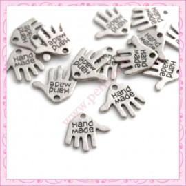 """Lot de 15 breloques mains """"hand made"""" en métal argentées 1.2cm"""