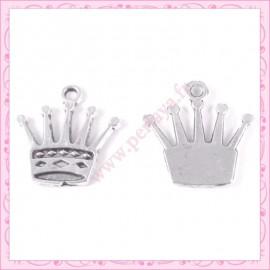 Lot de 15 breloques couronne en métal argentées 2.5cm