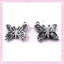 Lot de 15 breloques papillon en métal argentées 2cm