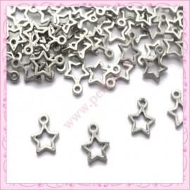Lot de 100 breloques étoiles argentées