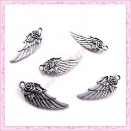 Lot de 15 breloques ailes en métal argentées 3.1cm