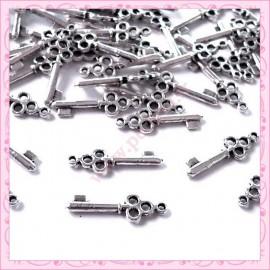 15 breloques clef en métal argentées 2cm