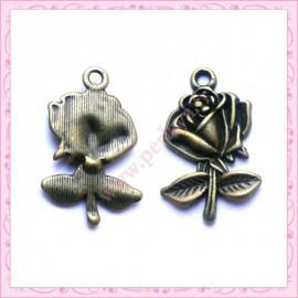15 breloques fleurs en métal bronze