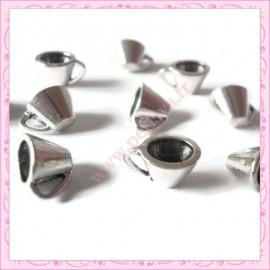 15 breloques tasse en métal argentées 1cm