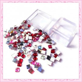 2 boites de mix strass cube 4mm