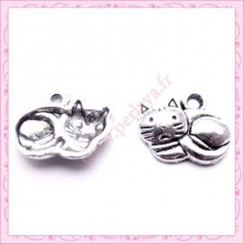 Lot de 15 breloques chat en métal argentées 1.4cm