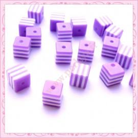 lot de 20 perles carré en résine 8mm violet