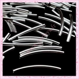 Lot de 100 perles tubes en métal argentés 3cm