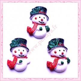 Lot de 3 cabochons en résine bonhomme de neige 2,5cm