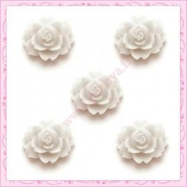 5 cabochons fleurs 18mm blanc