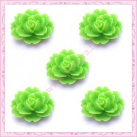 5 cabochons fleurs 18mm vert