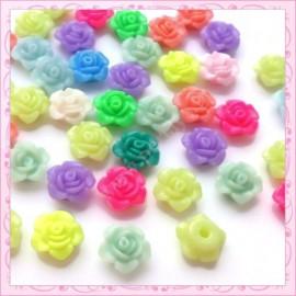 Mix de cabochons 50 fleurs 13mm en acrylique