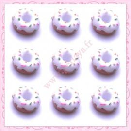 Lot de 3 cabochons en résine donuts àla crème 1,6cm