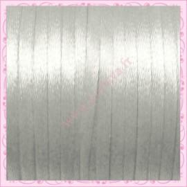 10 mètres de fil satiné queue de rat blanc