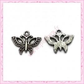 Lot de 15 breloques papillon en métal argentées 1.8cm
