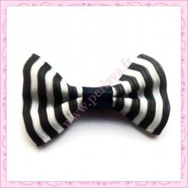 Lot de 20 appliques noeuds noir et blanc à rayures 3.5cm
