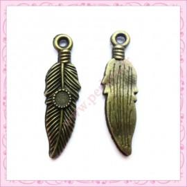 Lot de 50 breloques plumes bronze 2.8cm