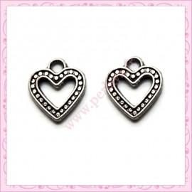 Lot de 30 breloques coeur en métal argentées 10mm