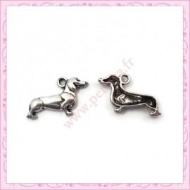 Lot de 15 breloques chiens en métal argentées 2cm