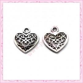 20 breloques coeur en métal argentées 10mm