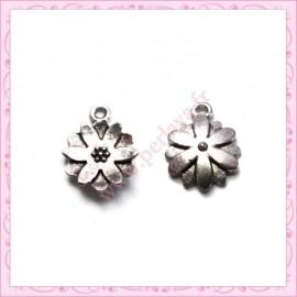 30 breloques fleurs 14mm argentées en métal