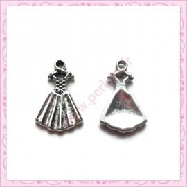 15 breloques robe métal argentées 1.9cm